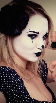 Mime Makeup, Halloween Face Makeup, Female Clown, Cute Clown, Clowns, Enemies, Costume Ideas, Black And White, Girls
