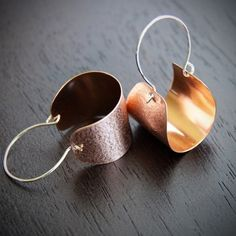 """Modern copper earrings with silver earwires in a fashionable arc shape that swing lightly in a fun way - """"Copper Scoop Earrings"""" Copper Earrings, Copper Jewelry, Women's Earrings, Silver Jewellery, Silver Ring, 7th Anniversary Gifts, Handmade Copper, Sterling Silver Hoops, Collar Necklace"""