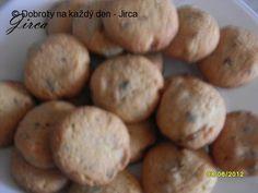 Recept Cookies s kousky čokolády a vlašských ořechů - Naše Dobroty na každý den Potatoes, Cookies, Vegetables, Food, Biscuits, Potato, Veggies, Essen, Vegetable Recipes