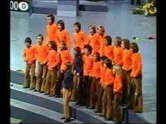 Wat ze zongen snapte we niet maar we waren helemaal weg van dit nummer!Les Poppys - Non,Non,Rien Na Change - 1973, Dusseldorf - YouTube