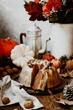 Un Cake, Dessert, Bakery, Red Kuri Squash, Meal, Desserts, Postres, Bakery Business, Plated Desserts