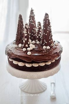 Simple Christmas cake (chocolate with trees) the recipe step by step! Holiday Cakes, Christmas Desserts, Christmas Treats, Christmas Baking, Christmas Cookies, Christmas Chocolate, Noel Christmas, Christmas 2019, Simple Christmas