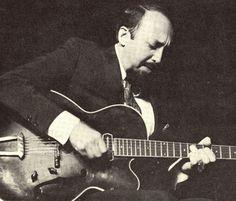 """Barney Kessel fue un guitarrista de jazz estadounidense nacido en Muskogee (Oklahoma) el 17 de octubre de 1923.  Fue miembro de muchos grupos importantes de jazz así como una """"primera opción"""" en sesiones de estudios de grabación, películas y grabaciones para la televisión. Kessel fue miembro del grupo de músicos de session conocido como The Wrecking Crew."""
