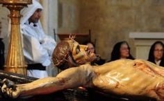 Particolare di Cristo crocifisso (Settimana Santa) Religious Rituals, Holy Week, Holi, Centre, Christ, Arch, Death, Santa, Passion