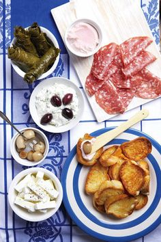 Antipasti met crostini | SARIE |  Antipasti with crostini Healthy Recipes On A Budget, Budget Meals, Healthy Food, Snack Recipes, Snacks, Good Food, Yummy Food, Greek Recipes, Deli
