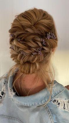 Rustic Wedding Hairstyles, Bride Hairstyles, Down Hairstyles, Bridesmaid Hairstyles, Summer Wedding Hairstyles, Fancy Hairstyles, Bridesmaid Hair Down, Prom Hair, Triangle Hair