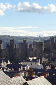 Image galleries and information about my visited World Heritage Sites. - Details for the World Heritage Site 'Conwy Castle - Castles and Town Walls of King Edward in Gwynedd' in Conwy, Wales Conway Castle, Barbican, Over The River, North Coast, Fortification, Saint George, 14th Century, World Heritage Sites, Great Britain