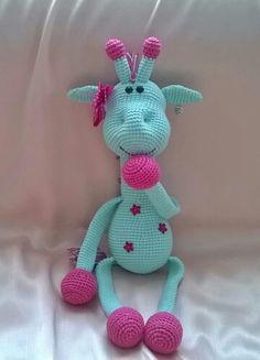 Crochet giraffe in aqua and pink. (Inspiration).