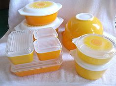 18 Pc Pyrex Yellow Orange Daisy Sunflower Fridge Set Casseroles Bowls Lids