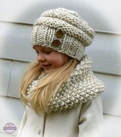 This hand knit slouchy beehive toddler/child hat and neck warmer set is made of soft and thick wheat yarn. The hat has a ribbed brim with two