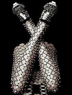 Alexander Mcqueen + fishnet tights on a whole other level + embellished tights Fashion Week, Fashion Art, Editorial Fashion, High Fashion, Womens Fashion, Fashion Design, Fashion Tights, Alexander Mcqueen, Vogue