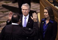 The Center for Public Integrity ranks Oregon 44th, saying the state has failed to address profound weaknesses revealed by the resignation of Gov. John Kitzhaber.