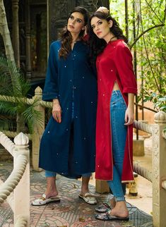 Rock A Simple 'Kurta-Jeans' Look In Absolute Chic Ways – Bollywood Style! Casual Indian Fashion, Look Fashion, Trendy Fashion, College Fashion, College Outfits, College Style, College Wear, Work Outfits, Indian Dresses