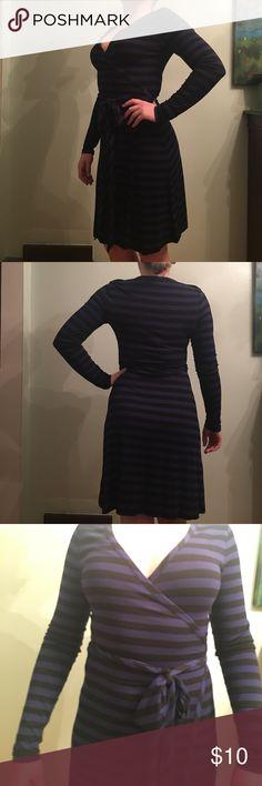 Black and blue wrap dress Long sleeve wrap dress Banana Republic Dresses Long Sleeve