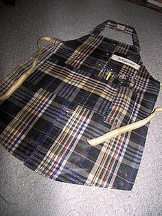 Apron made from men's button down. Hey @jen Inumerable Fetzer like this