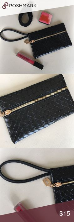 🎉Black Woven Wristlet Fits IPhone 6S Plus!🎉 🎉Black Woven Wristlet Fits IPhone 6S Plus🎉✨Black woven vegan leather wristlet✨Gold zippered front✨Spacious enough to fit cards, makeup 💄 + IPhone 6S Plus!✨Perfect night out accessory!✨Brand new!✨Unbranded/untagged boutique item!✨Priced to sell!✨ Bags Clutches & Wristlets