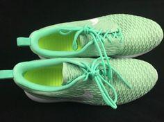 best sneakers 118f8 23e4f Nike Roshe One Flyknit Mint Grønn Hvit Damelige Sko SHIPPING AV DHL 401.19kr