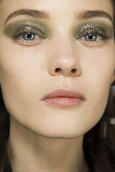 Christian Dior, runway makeup, RTW Autumn / Winter 2014, by Pat McGrath. Photo: InDigital #PFW #Dior_runway_makeup_2014