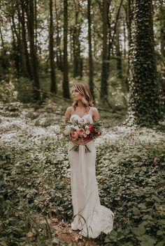 Modern romantic wedding dress | Image by Olivia Strohm Photography