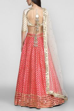 Then you've got to check out Abhinav Mishra's Mirror Work Lehengas from his 2019 spring summer collection. Party Wear Indian Dresses, Indian Bridal Outfits, Indian Fashion Dresses, Dress Indian Style, Indian Designer Outfits, India Fashion, Japan Fashion, Designer Dresses, Kerala Saree Blouse Designs