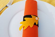 Felt leaf napkin rings and placecards for Thanksgiving by Kathy Beymer