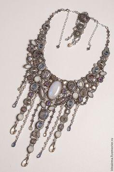 """Купить """"Сказки Королевы Луны"""" - серебряный, колье с камнями, авторское украшение, колье, лунный камень"""