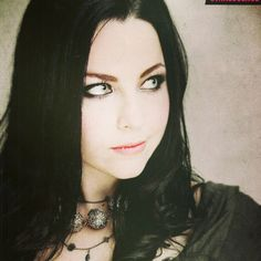 Singer/pianist Amy Lee of the band Evanescence - awesome voice/talent. Amy Lee Evanescence, Emy Lee, Women Of Rock, Goth Beauty, Metal Girl, Hayley Williams, Portraits, Girl Crushes, Goth Girls