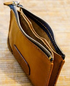Handmade wallets and card holders.- Кошельки и визитницы ручной работы. Женский… Handmade wallets and business card holders. Leather Bag Tutorial, Leather Wallet Pattern, Handmade Leather Wallet, Leather Gifts, Leather Pouch, Leather Craft, Leather Purses, Leather Handbags, Leather Accessories
