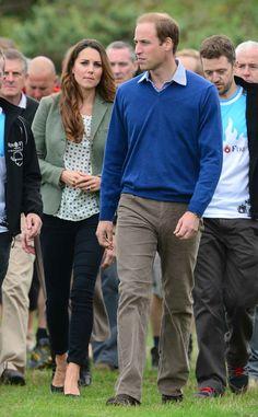 Kate Middleton aparece oficialmente pela primeira vez depois de nascimento real