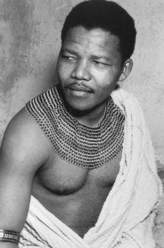 Nelson Mandela Timeline: Life in Photos