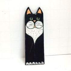 Hand Painted Black & White Cat Brooch, Seated Kitty Wooden Pin, Cat Lover Wood White Heart, Cat Jewelry, Smiling Cat