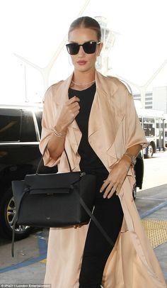 0fea02df910 Rosie Huntington Witeley - Chic street fashion look inspiration Mode,  Trench Classique, Veste En