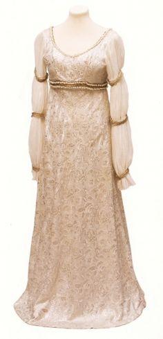 "Dress for Cinderella in film ""Tři oříšky pro popelku"". Medieval Dress, Movie Costumes, Capsule Wardrobe, Cinderella, Vintage Fashion, Cosplay, Gowns, Wedding Dresses, Lady"