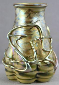 ANTIQUE 6  BOHEMIAN ART GLASS VASE GOLD THREADED PULLED PROBABLY LOETZ BIG CRACK