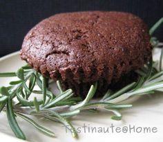 Une association insolite du chocolat et du romarin dans un fondant chocolat romarin...à essayer !