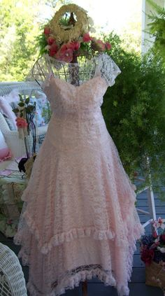 Vintage Lace Dress  http://www.etsy.com/people/TeasHopeChest?ref=si_pr
