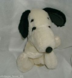 "6""  SNOOPY BEAN BAG - 1975"