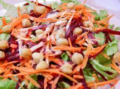 Salada Colorida ao Molho de Iogurte - Veja mais em: http://www.cybercook.com.br/receita-de-salada-colorida-ao-molho-de-iogurte.html?codigo=913