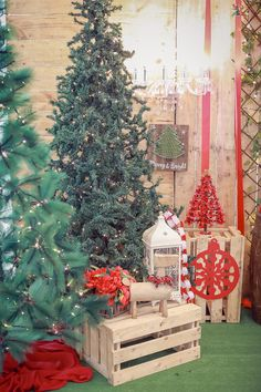 main_8489 - Cute Christmas Stockings, Cozy Christmas, Christmas Balls, Rustic Christmas, Christmas Themes, Red Flowers, Red Roses, Snow Globe Cupcakes, Gift Of Faith