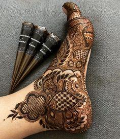 Pretty Henna Designs, Modern Henna Designs, Latest Arabic Mehndi Designs, Hena Designs, Henna Designs Feet, Latest Bridal Mehndi Designs, Modern Mehndi Designs, Beautiful Dress Designs, Anklet Designs