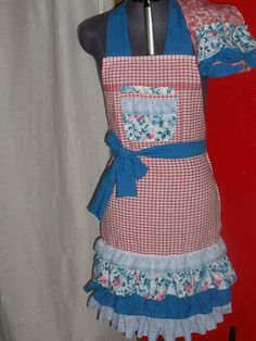 Another dish towel apron with matching dish towel