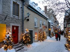 Petit Champlain, Christmas, Quebec City, Old Quebec, winter