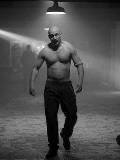 hardymafia:  fuck me, tom hardy tom hardy in 'Bronson' (2008)