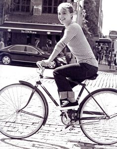 @Natalie Portman on her #bike