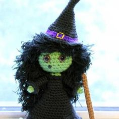 Zora the Witch amigurumi crochet pattern by Sahrit
