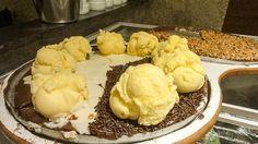 Pizza with chocolate and ice-cream? Sweet Pizza, Rio, Muffin, Ice Cream, Chocolate, Breakfast, Desserts, Sherbet Ice Cream, Morning Coffee