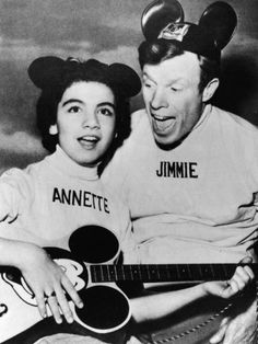 Famous Mousketeer Annette Funicello sings along with Mickey Mouse Club emcee Jimmie Dodd, who also wrote the show's popular theme song. (Photo by Hulton Archive/Getty Images) Original Mickey Mouse Club, Mickey Mouse Donald Duck, Disney Mickey Mouse, Walt Disney, Photo Vintage, Vintage Tv, Vintage Disney, Annette Funicello, Disney Songs
