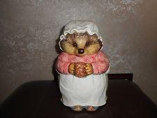 RARE Enesco-Beatrix-Potter-Mrs-Tiggy-Winkle-Hedgehog-Biscuit Jar 1996
