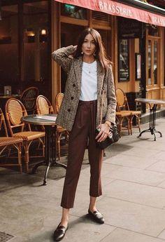 Edgy Blazer Outfit Ideas To Elevate Your Wardrobe - Herren- und Damenmode - Kleidung Work Fashion, Trendy Fashion, Womens Fashion, Fashion Trends, Office Fashion, Classy Fashion, Fashion Ideas, Trendy Style, Fashion Tips