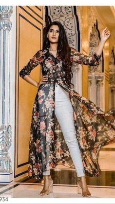 Indian Fashion Dresses, Indian Designer Outfits, Indian Outfits, Frock Fashion, Cute Sweater Outfits, Simple Pakistani Dresses, Womens Dress Suits, Bridal Dress Design, Kurta Designs Women